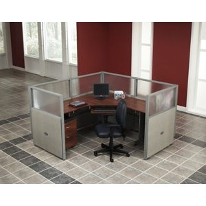 1 Workstation Unit — 1 x 1 Configuration 47″ Panel Height 72″ Desk Size