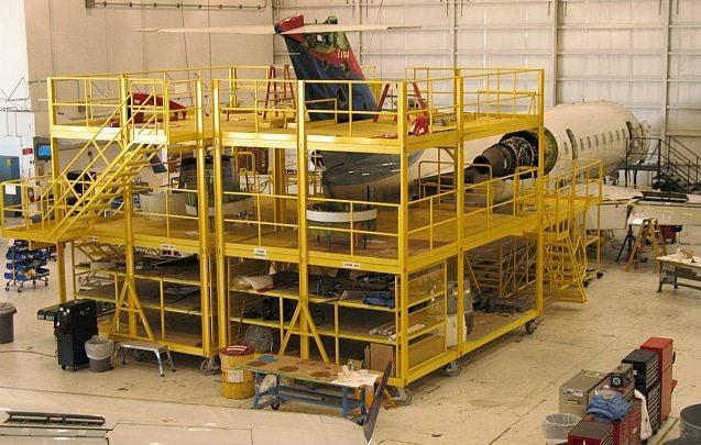 CRJ-200 Tail Dock System