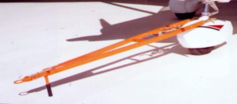 BeechHawker Duchess Fixed Wing Towbar TH-53 (A)