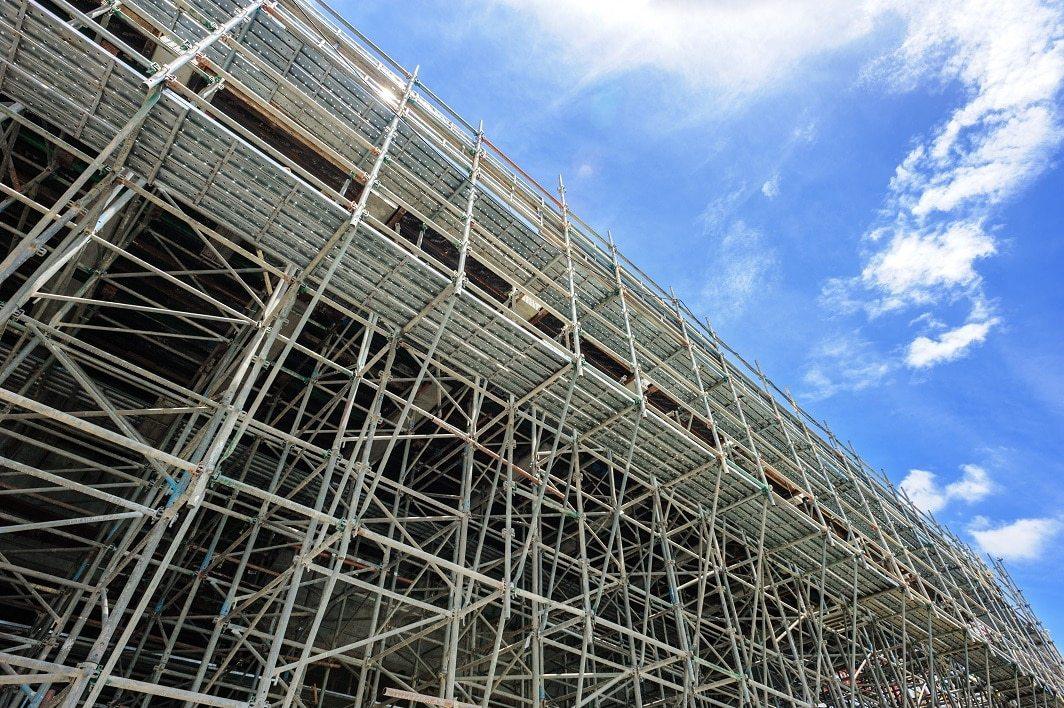 upright aluminum scaffolding