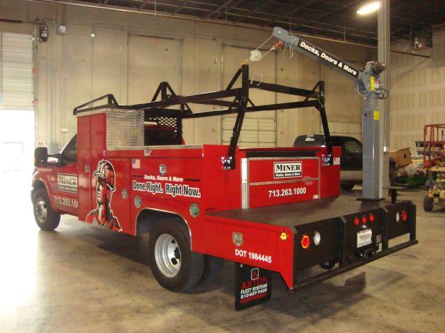 CE6K Truck-Mounted Electric Mast Crane 2000lbs Lifting Capacity