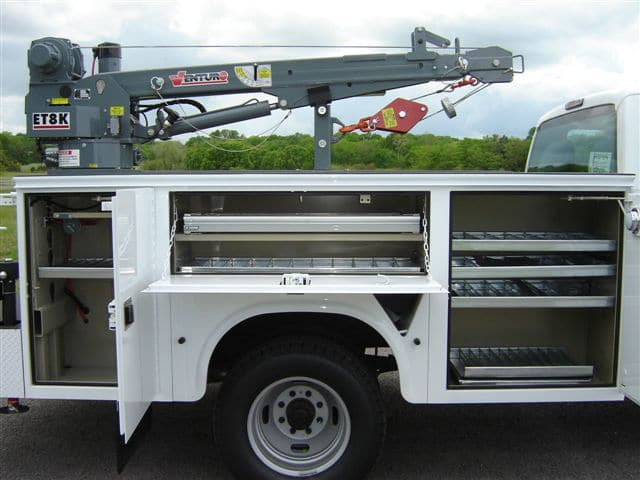 ET8K Truck-Mounted Electric Crane 2700lbs Lifting Capacity