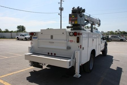 HT30KX Truck-Mounted Crane 5000lbs Lifting Capacity