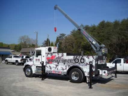 HT66KX Truck-Mounted Crane 11000lbs Lifting Capacity