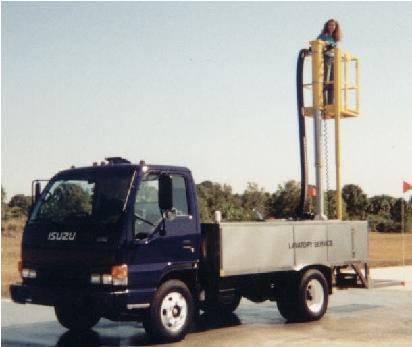 TL1000PL Lavatory Service Truck