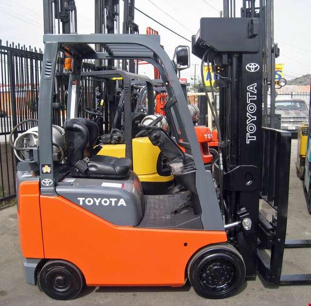 Toyota Forklift 3000 lbs Capacity 8FGCU15 - Industrial Man
