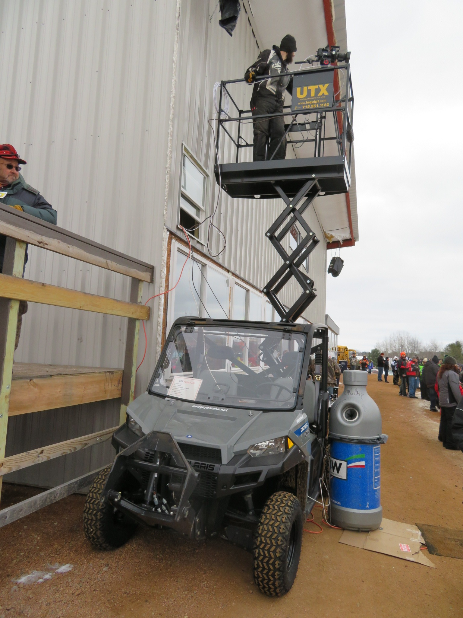 UTX 44 Utility Vehicle Scissor Lift